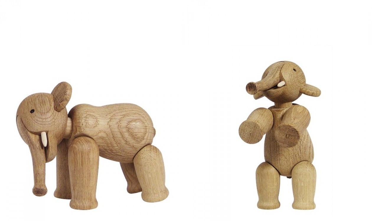 kay bojesen elephant in oak figurines casashopping. Black Bedroom Furniture Sets. Home Design Ideas